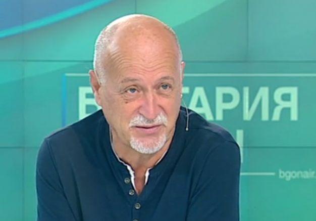 вокалистът Йордан Караджов
