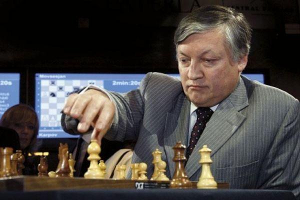 """Каква партия шах разиграва у нас  депутат от Путиновата партия """"Единная Россия"""""""