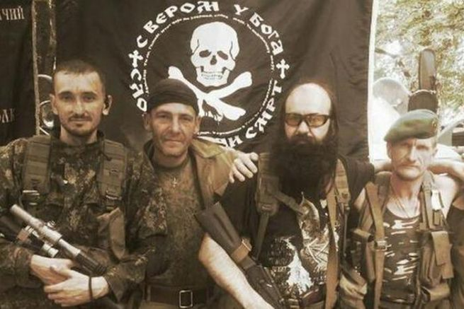 Бойната група на Братислав Живкович(с брадата), командир на сръбските четнически милиции в Източна Украйна.