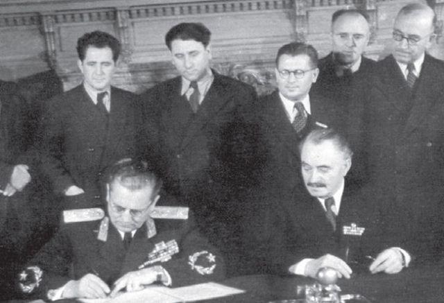 Тито избиваше българите, а Димитров подписваше с него договори за приятелство