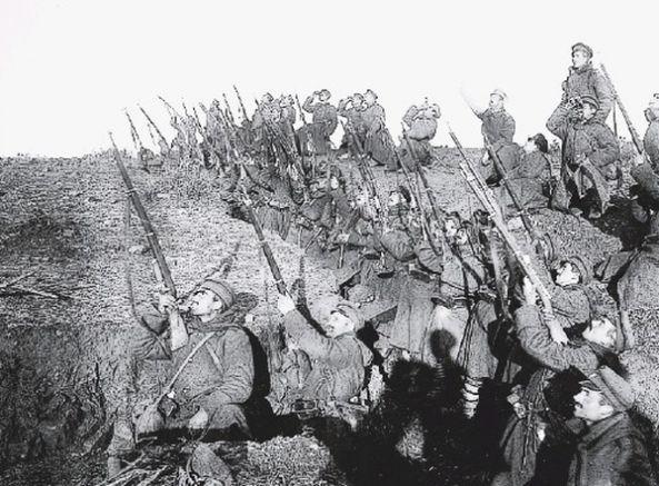 Гравюра от Добруджанската епопея - България обръща щикове срещу Русия