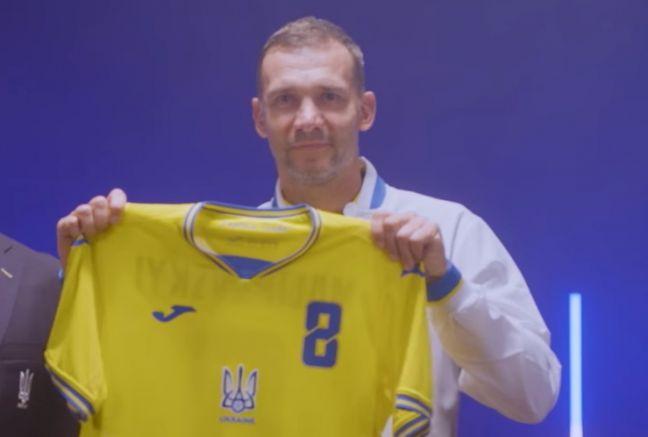 Андрий Шевченко с новата фланелка на украинските национали, Украйна, Крим, европейско първенство по футбол, Русия, агресор
