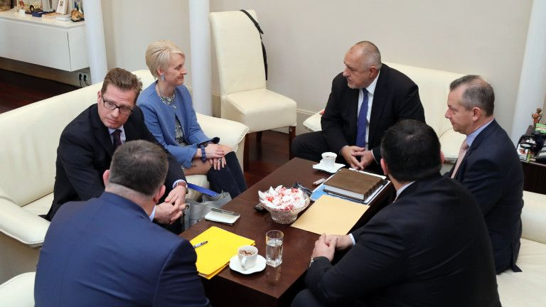 Бойко Борисов и Ема Хопкинс с главния прокурор Сотир Цацаров