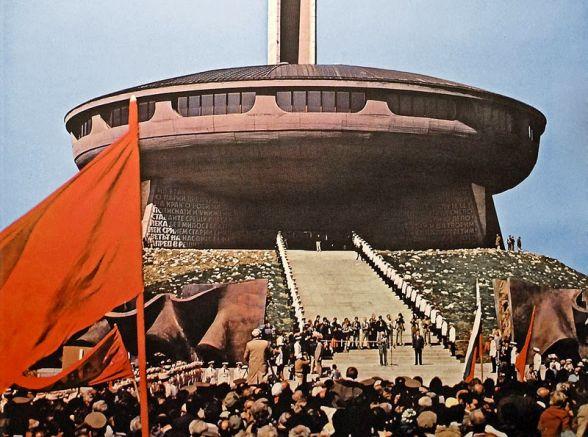 Диктаторът Живков открива Дома паметник на БКП