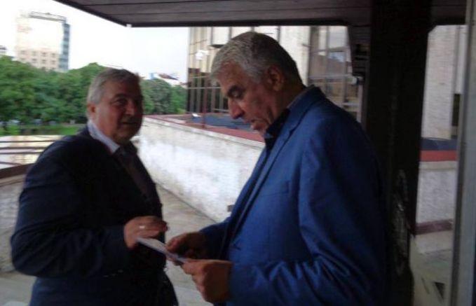 Румен Гечев коментира евроизборите на терасата на НДК