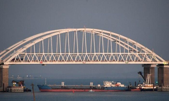 На 25.11.2018 г. Русия блокира Керченския проток, като го прегради с танкер и така блокира международния морски път от Черно море към Азовско море