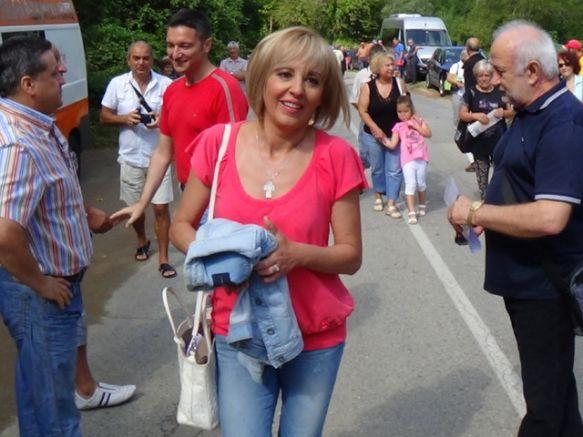 Манолова на събора в Жабокрек, 23 август 2014 г., снимка Нова ТВ