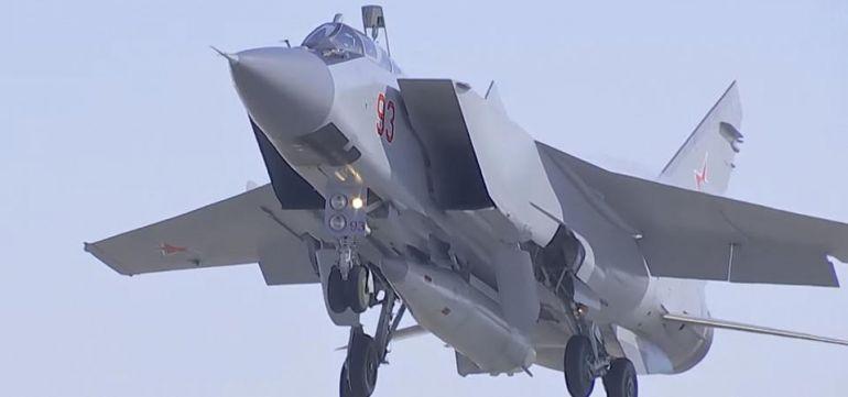 "Единственият, засега, МиГ-31К оборудван с ""Кинжал"""