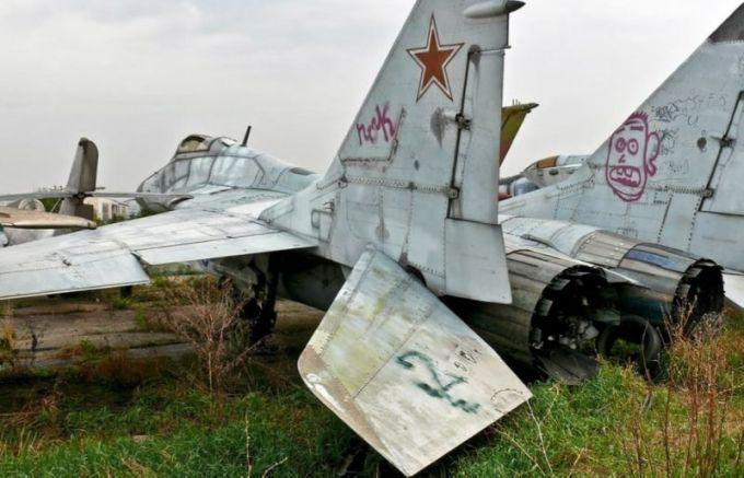 Съветските машини чакат за ремонт преди да полетят отново