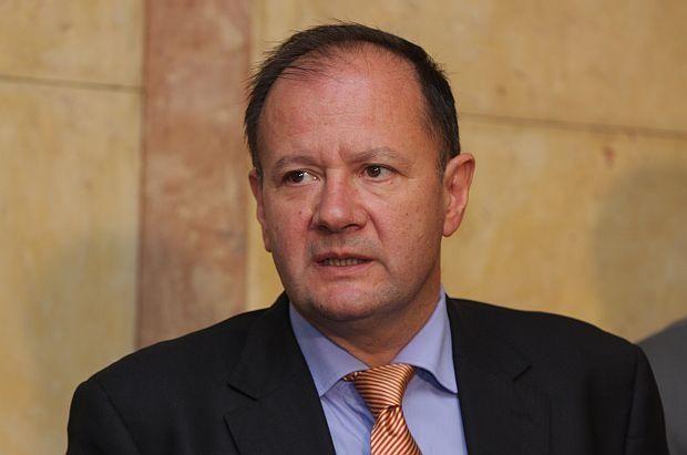Михаил Миков