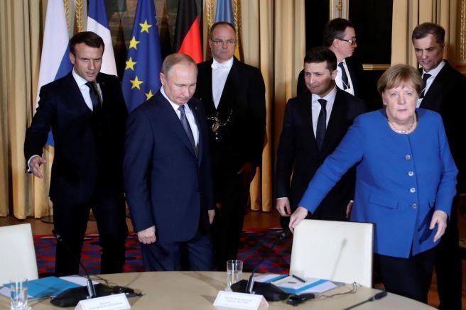Еманюел Макрон, Владимир Путин, Владимир Зеленски и Ангела Меркел