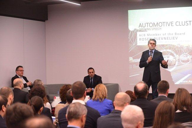 Росен Плевнелиев участва в срещата на автомобилния клъстер България. Снимка: 24 часа
