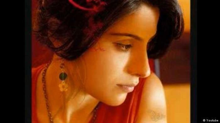"""Кюрдската изпълнителка Рожда беше цензурирана заради """"терористична пропаганда"""""""