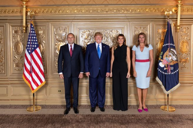 Семействата Радеви и Тръмп