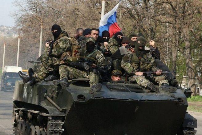 Сепаратисти и руска военна техника са окупирали Донецк