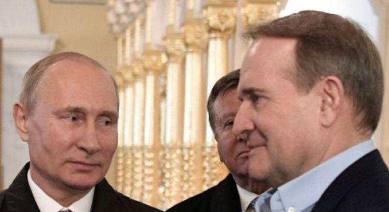 Виктoр Мeдвeдчук в компанията на Владимир Путин