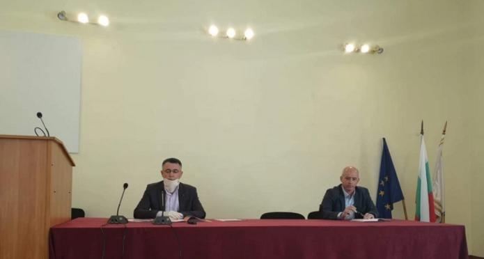 Хасан Азис (вляво)