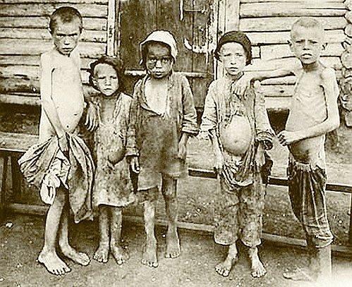 Зловещи снимки от годините на сталиновия Гладомор