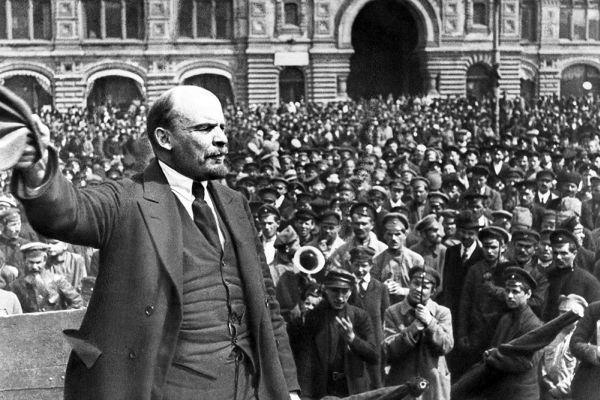Ленин говори на полезните идиоти
