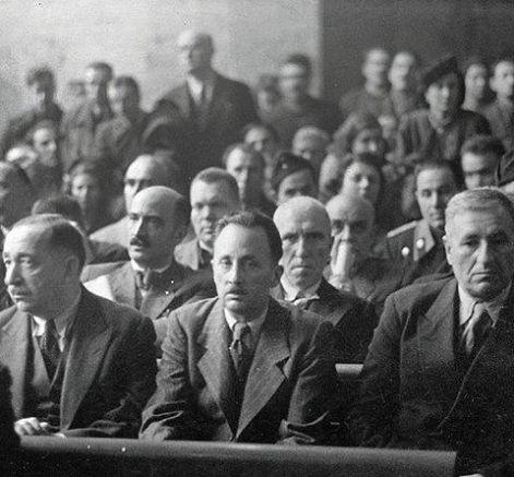 Принц  Кирил и царските министри и депутати слушат присъдите
