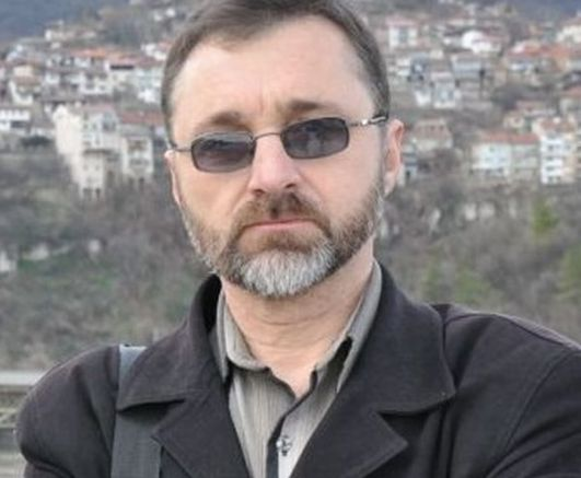 Ефим Ушев