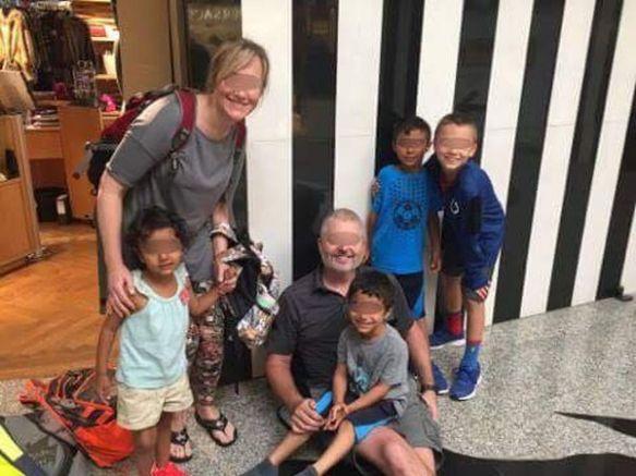 Щастливото семейство на летище София