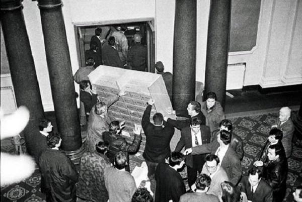 protest_ianuari-1997-bnt2.jpg